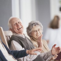 laughing seniors_78531136